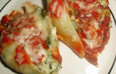 Ricotta and spinach stuffed pasta shells