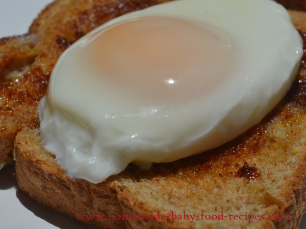 Perfectly Poached Egg for Baby in Under Two Minutes!